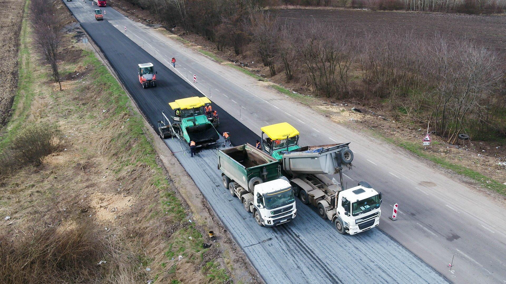 Будівництво дороги у Вінницькій області