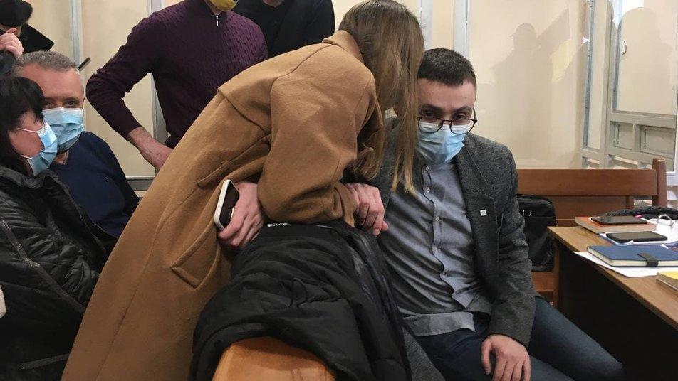 Дело о нападении. Стерненко привезли в Приморский суд Одессы – видео заседания