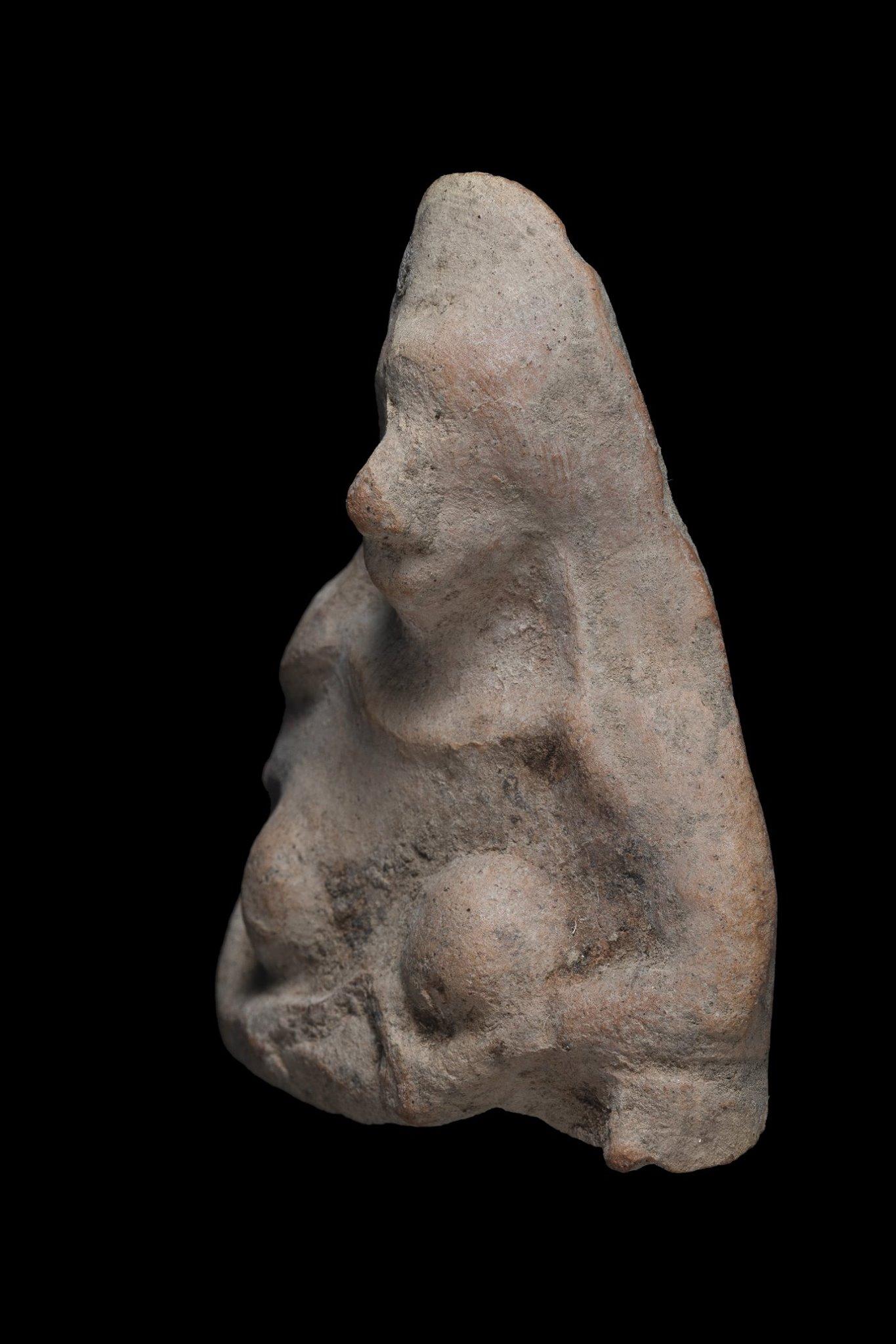 В Израиле 11-летний мальчик нашел уникальную статуэтку, которой 2500 лет – фото