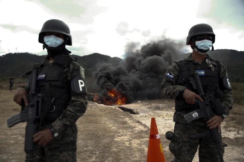 """""""Президент Гондураса хотел затопить США кокаином"""". Как Вашингтон """"воюет"""" с наркокартелями"""