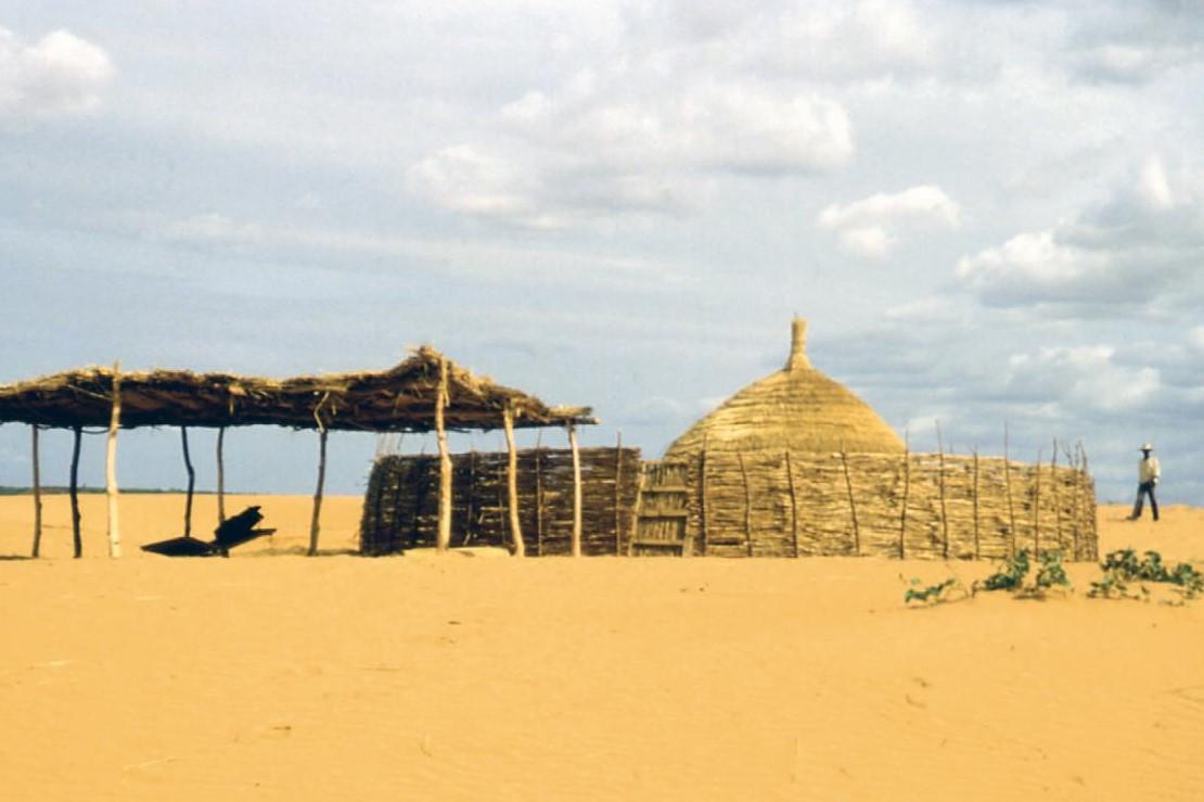 Хижина в Нигерии, фото: официальный сайт архитектурного бюро Lacaton & Vassal