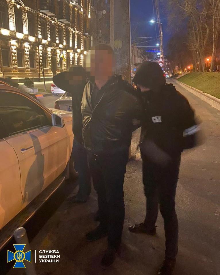СБУ задержала на взятке депутата райсовета от Слуги народа – фото