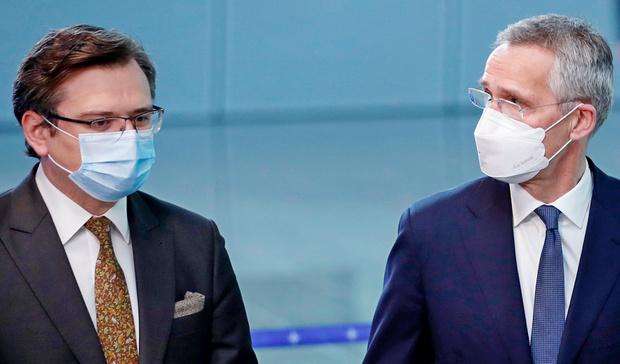 Дмитрий Кулеба и Йенс Столтенберг (фото – ЕРА)