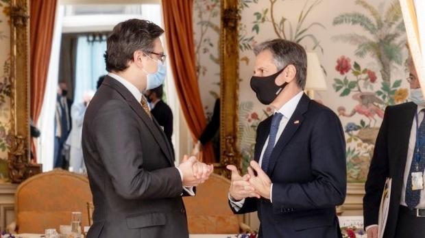 Дмитрий Кулеба и Энтони Блинкен (фото — Twitter госсекретаря США)