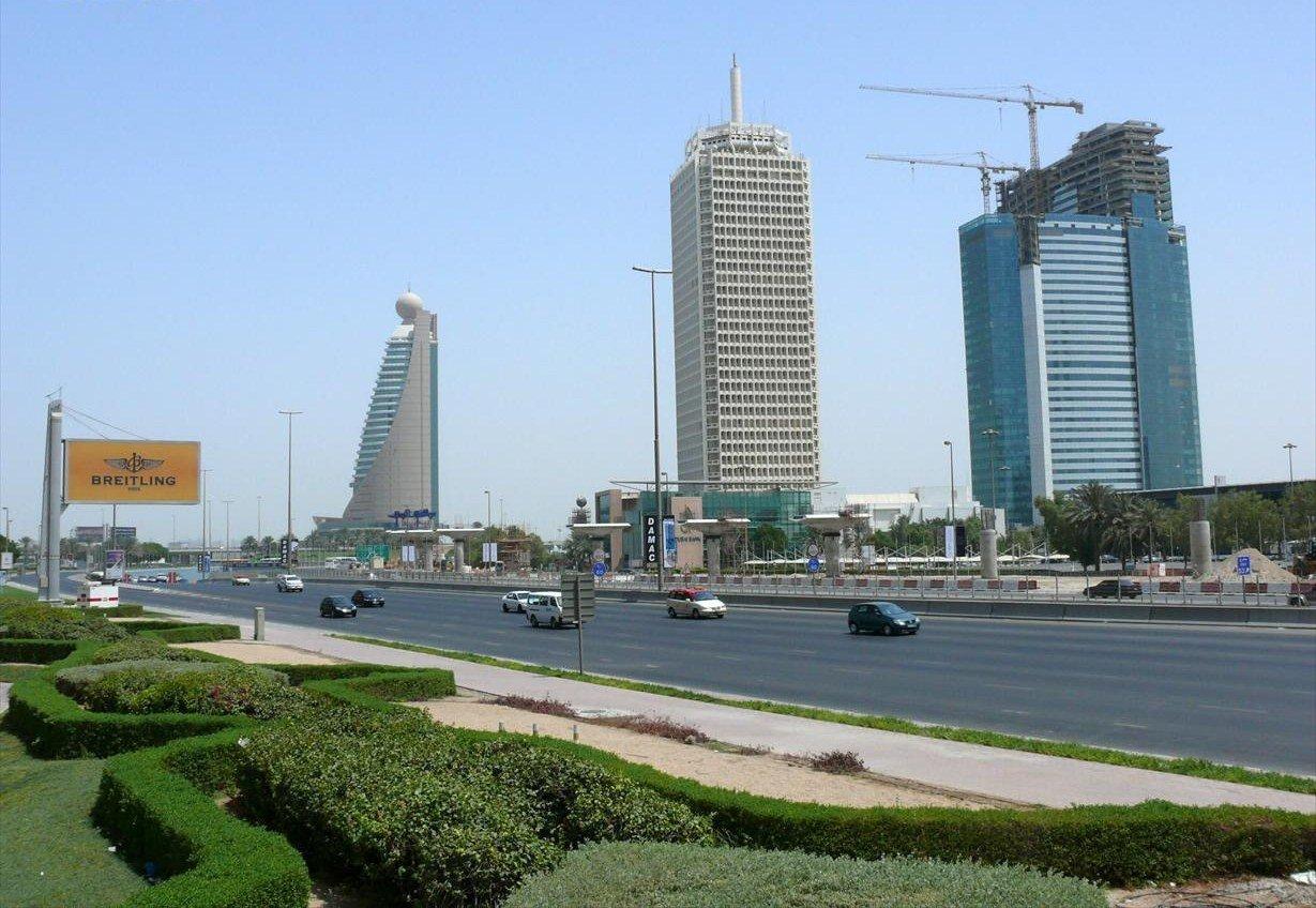 Бизнес-комплекс Всемирный торговый центр, первый небоскреб в Дубае в центре снимка, фото: EPA.com
