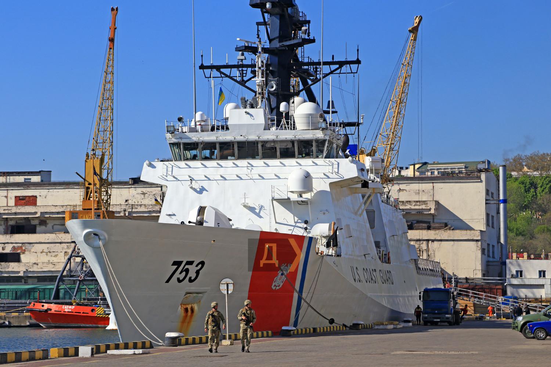 Американский USCGC Hamilton добрался до порта Одессы: фото, видео корабля