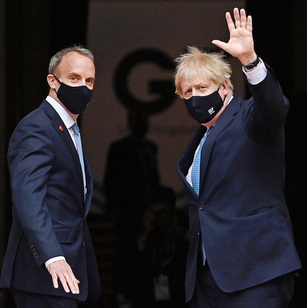Рааб и премьер Борис Джонсон (фото – ЕРА)
