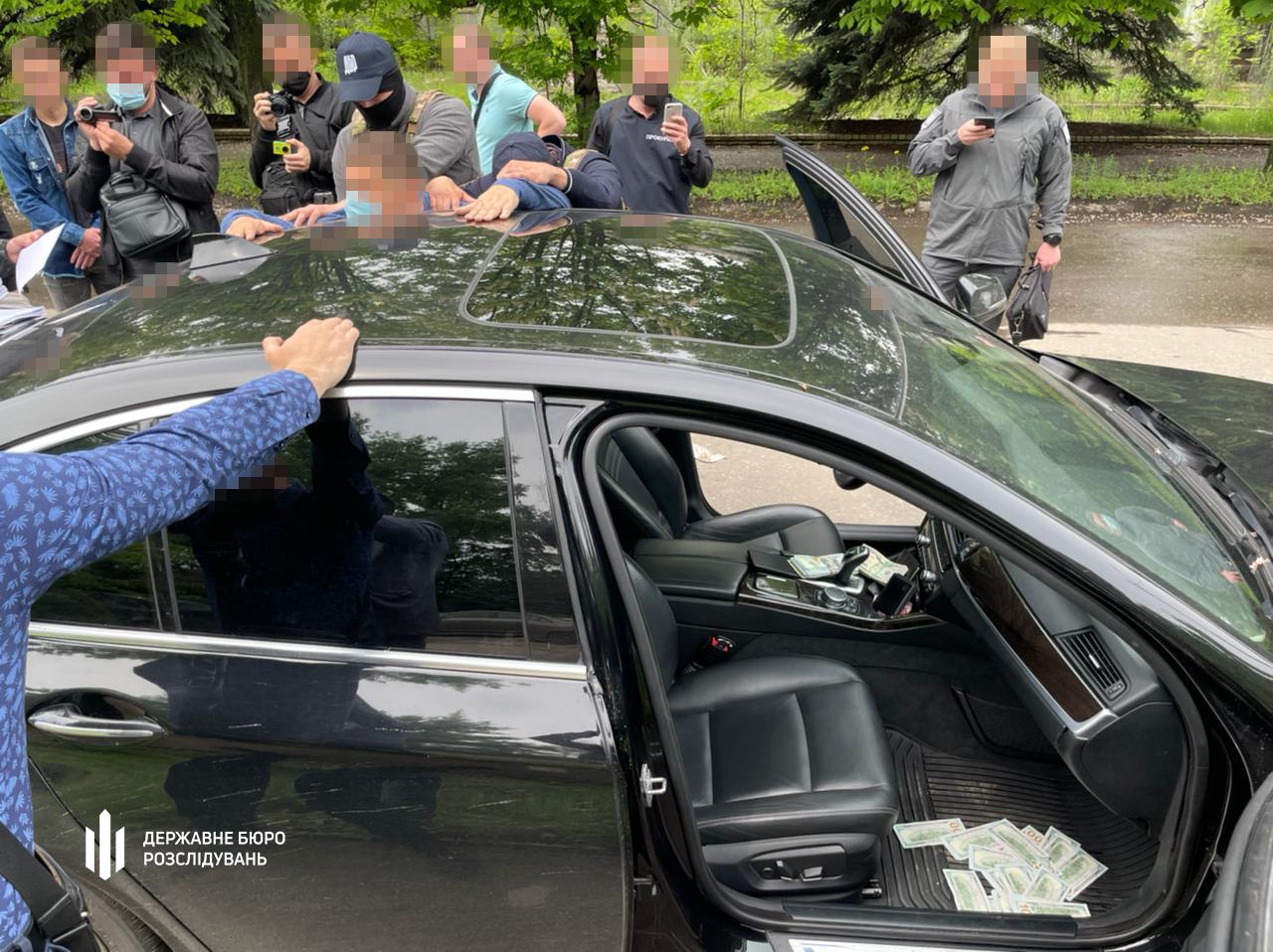 """ДБР заявило про затримання """"на гарячому"""" судді Донецького окружного адмінсуду: фото"""