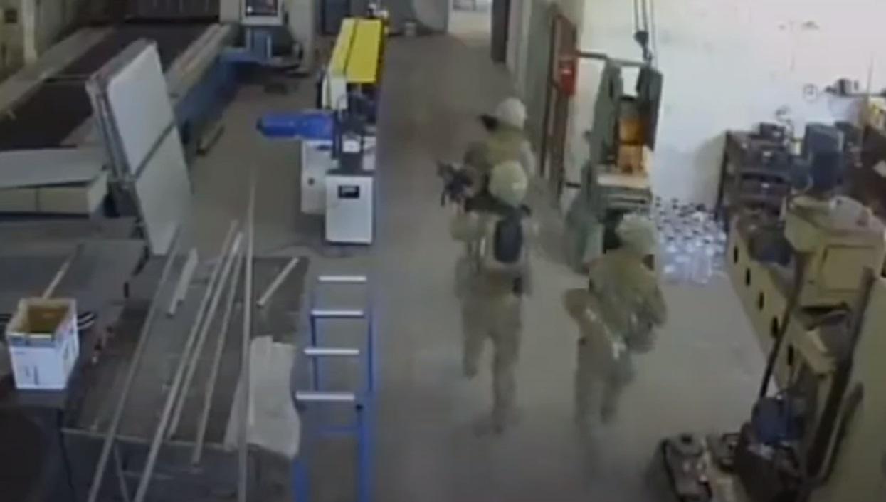 """Военные НАТО случайно """"зачистили"""" завод на учениях в Болгарии. Владелец подал в суд"""