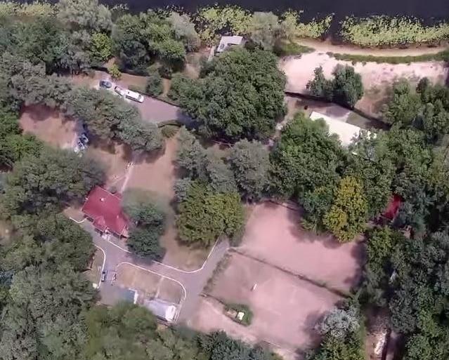 Суд повернув Києву землю на Трухановому острові, яку захопили охоронці Медведчука