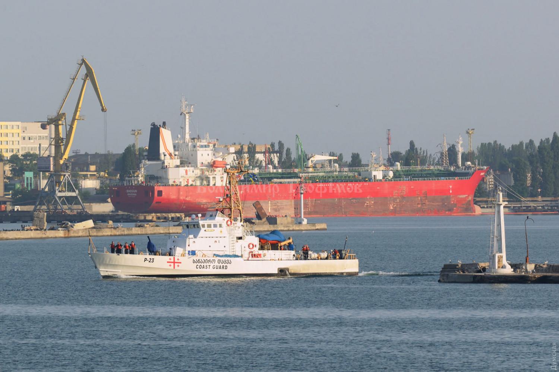 Ракетный эсминец США прибыл в Одессу – союзники начинают стягиваться на учения Sea Breeze