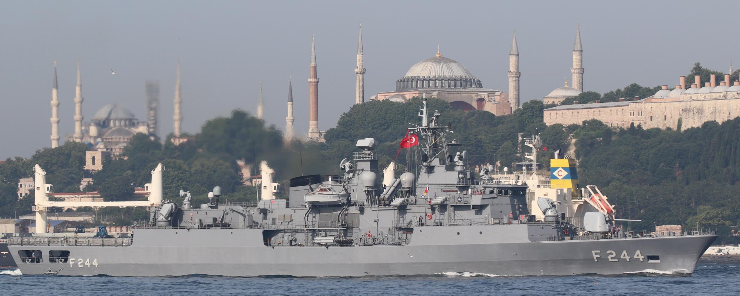 Два флагманских фрегата Турции и Италии зашли в Черное море – фото