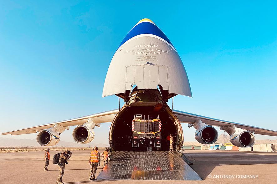 """""""Руслан"""" одним рейсом перевез три пожарные машины в Центральную Азию: фото"""