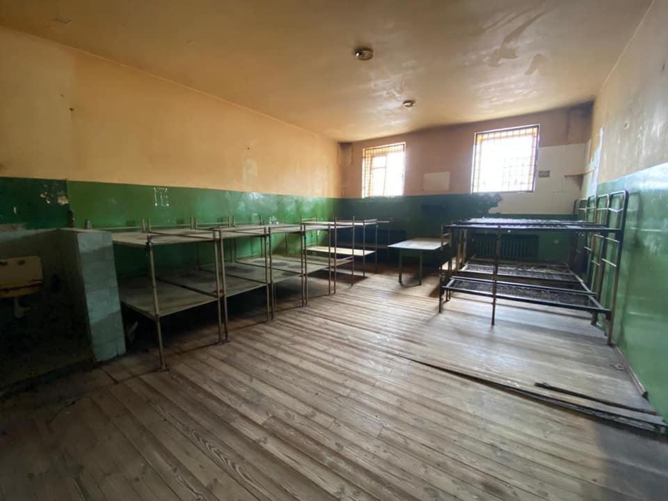 Малюська показал, как выглядит бесплатная камера Киевского СИЗО до и после ремонта: фото