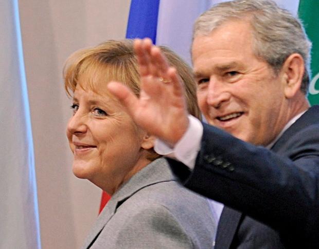 Ангела Меркель и Джордж Буш-младший (фото – ЕРА)