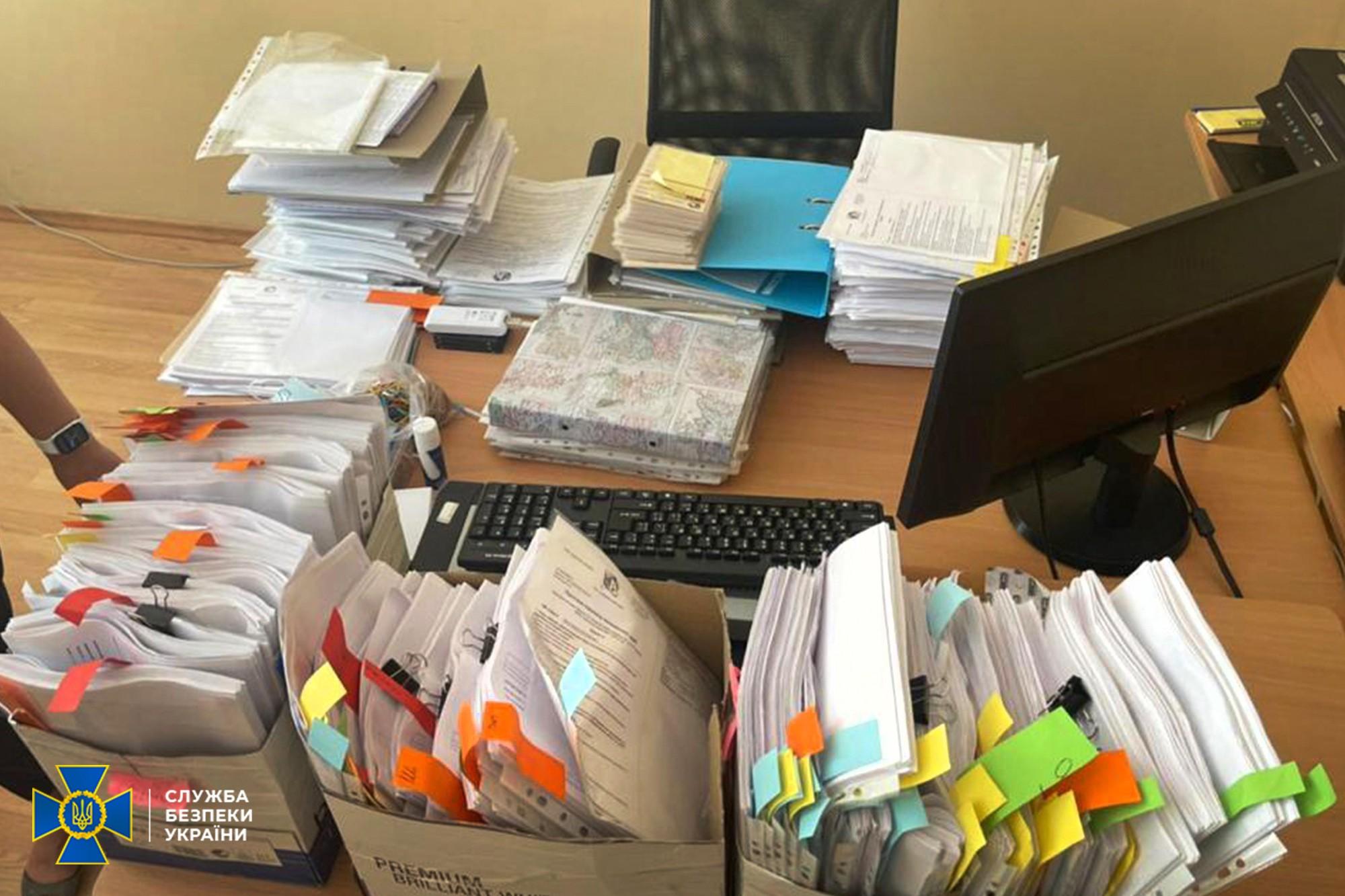 Видача документів морякам. СБУ заявила про викриття схеми з держреєстром на $150 млн
