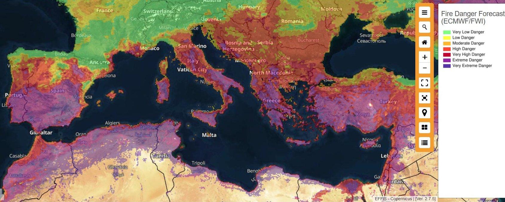 Горять турецькі курорти. Супутникові знімки масштабних лісових пожеж: фото з висоти 770 км