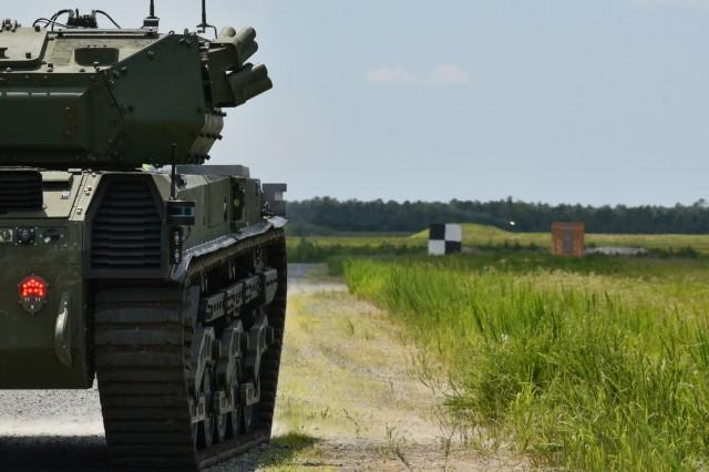"""США провели огневые испытания танка-беспилотника из """"Безумного Макса"""" и """"Форсажа"""" – видео"""