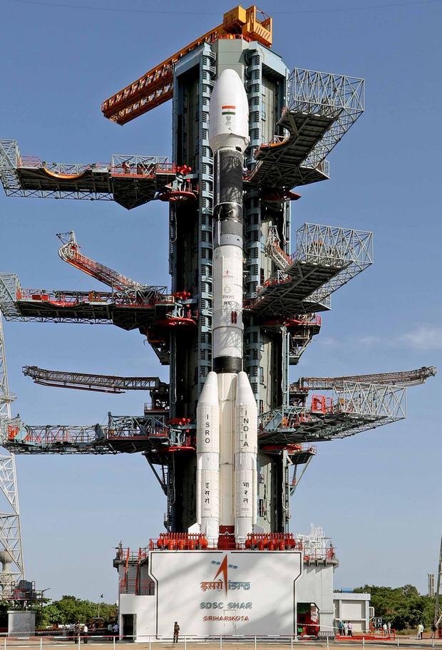 Індія втратила двотонний супутник: під час запуску не спрацював верхній ступінь ракети – відео