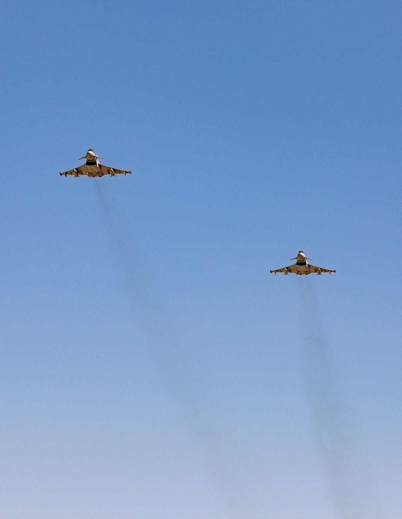 """""""Создавал угрозу"""". Британские Typhoon перехватили российский Су-24 у Румынии – фото"""
