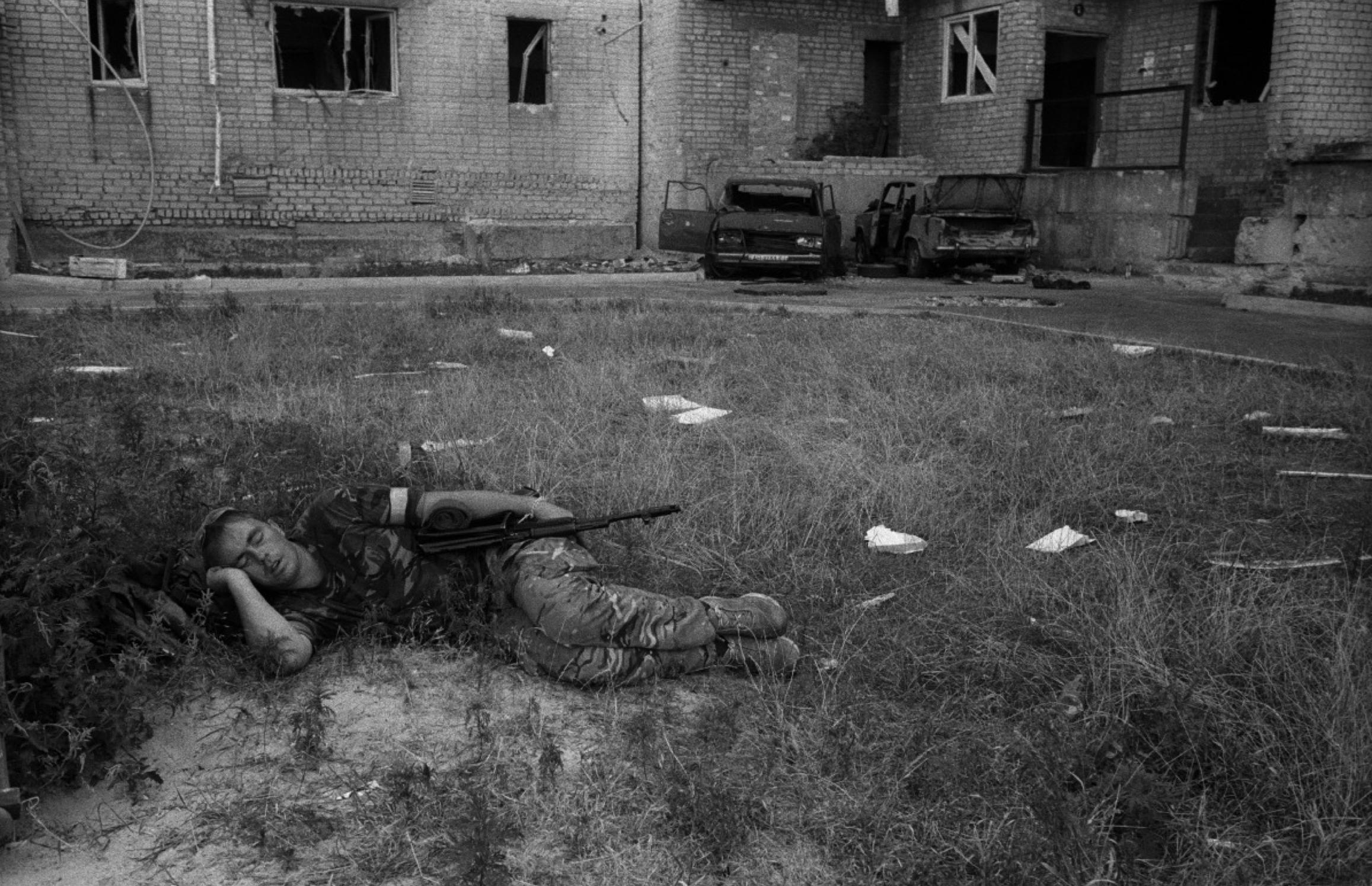 Станислав Асеев: когда на самом деле закончится война на Донбассе. Эссе об улыбке
