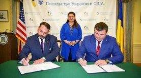 Укроборонпром подписал три соглашения с оборонными компаниями США…