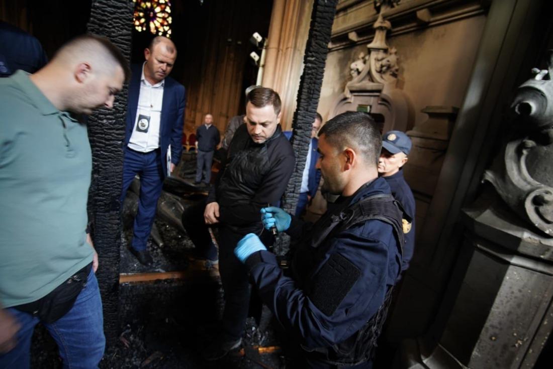 Пожар в костеле Святого николая. МВД назвало предварительную причину – замыкание в органе