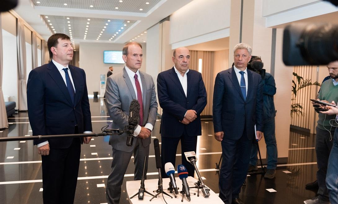 Тарас Козак, Виктор Медведчук, Вадим Рабинович и Юрий Бойко (фото – пресс-служба ОПЗЖ)