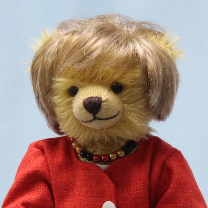 """На прощание. К отставке канцлера в Германии выпустили плюшевого медведя """"Меркель"""": фото"""