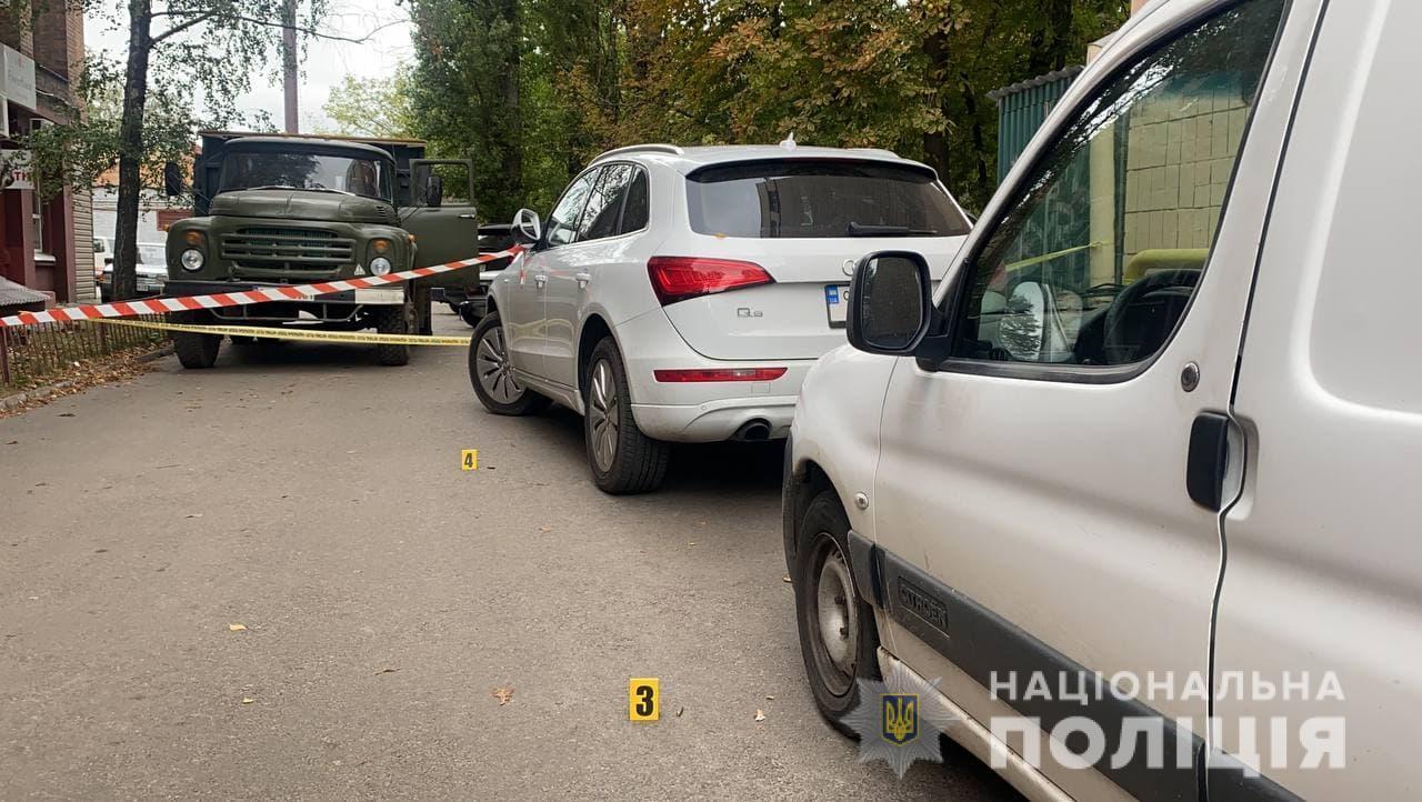 В центре Черкасс расстреляли из автомата бизнесмена. Он умер в больнице – фото