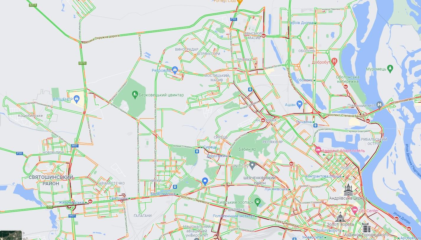 Киев встал в пробках из-за дождя: карта