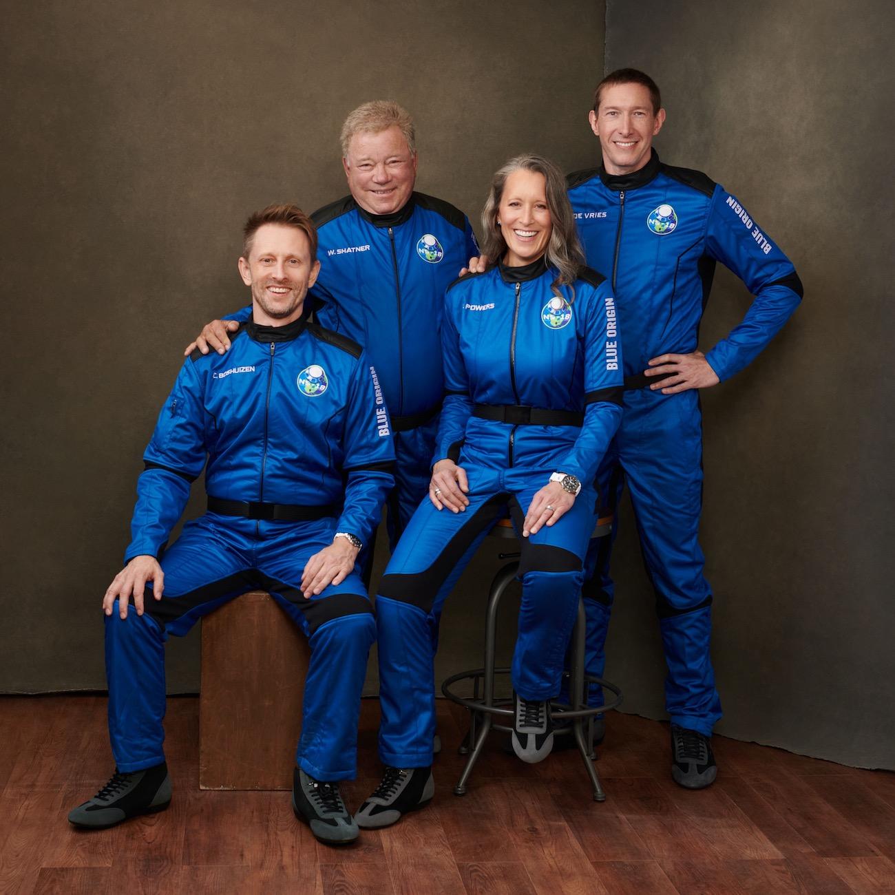 90-летний актер-капитан из Star Trek слетал в космос на корабле Безоса: видео