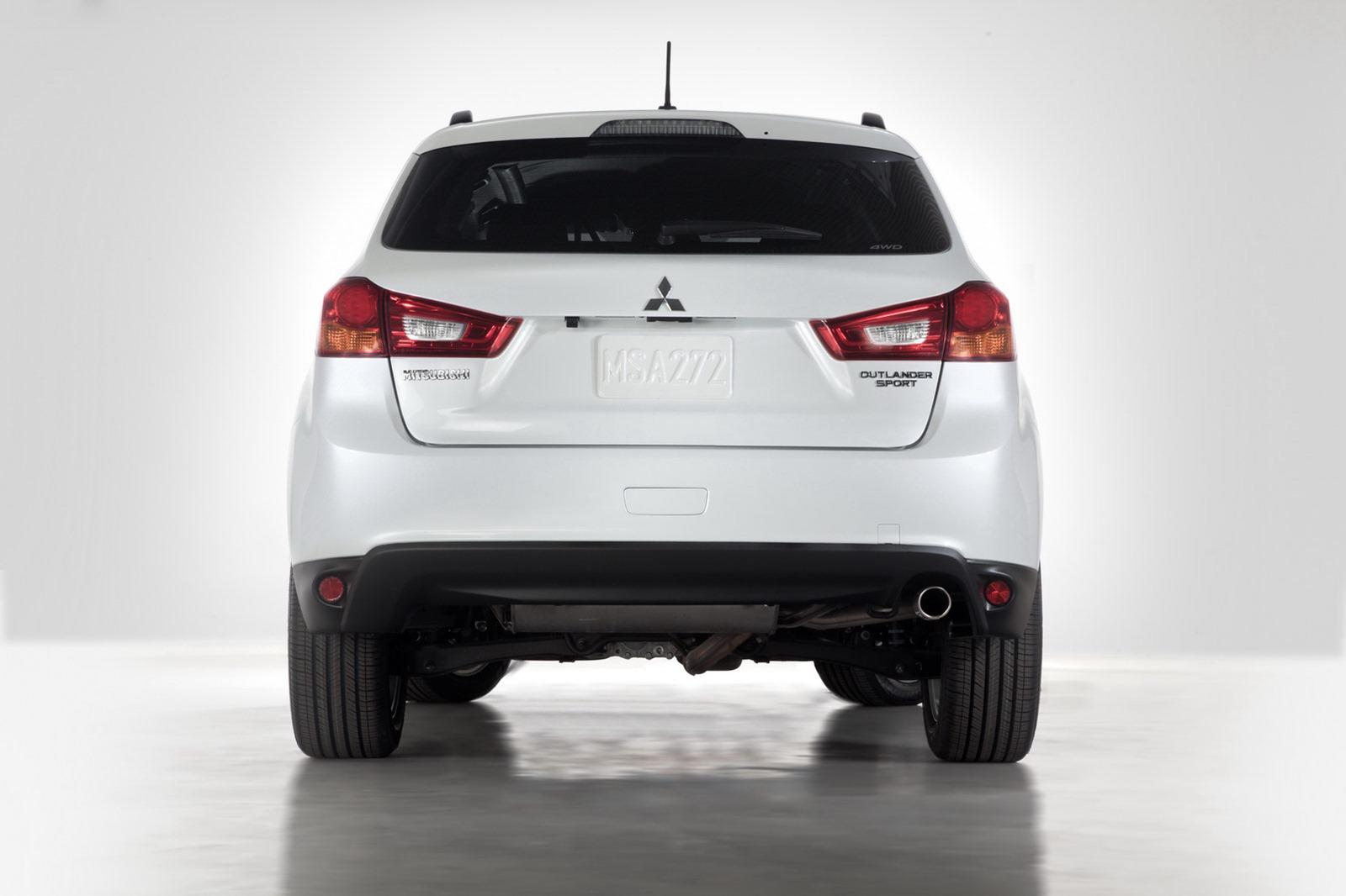 2013-Mitsubishi-Outlander-Sport-6[2].jpg
