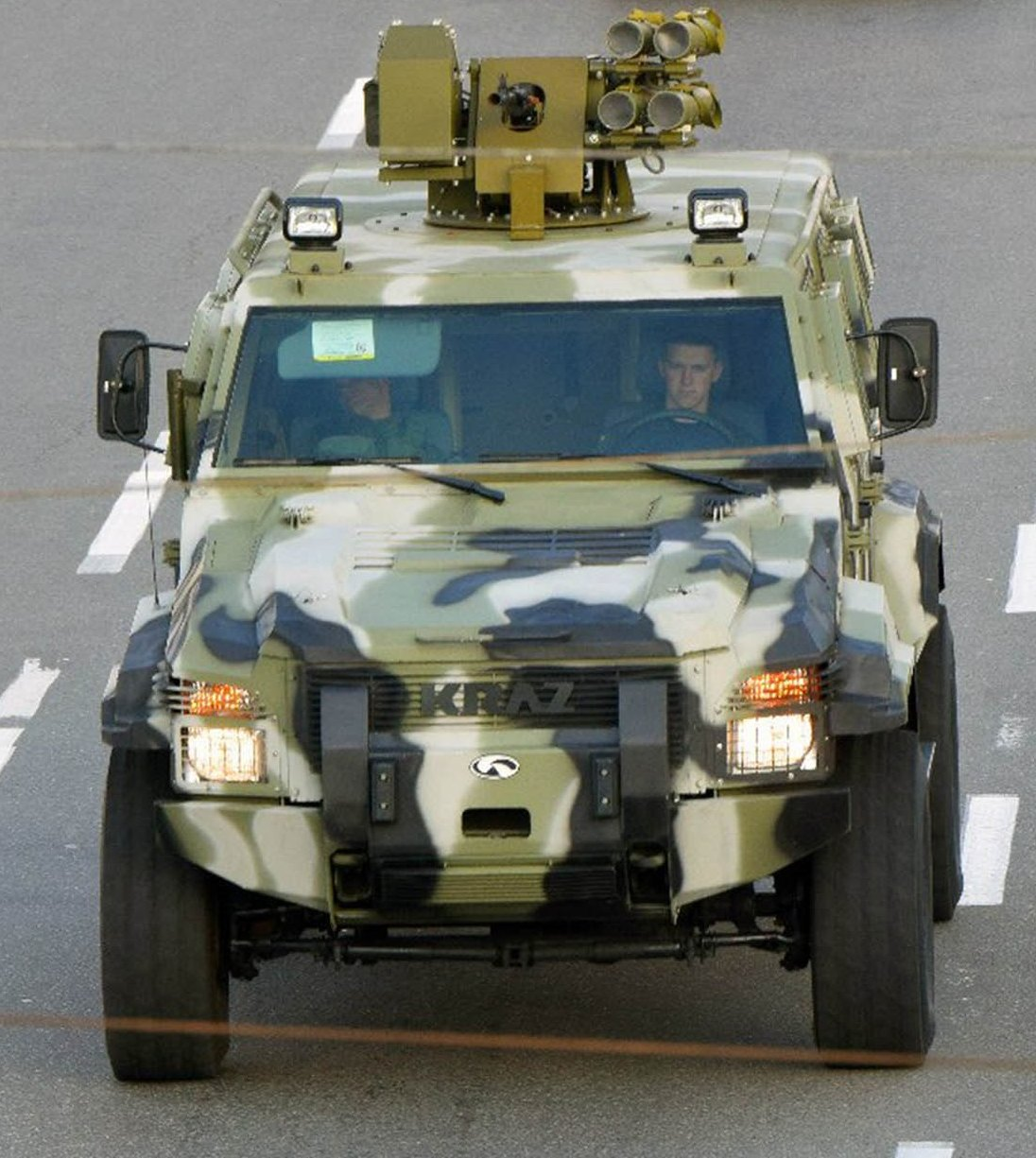 Колеса для фронта. Что АвтоКрАЗ поставит армии в 2015 году