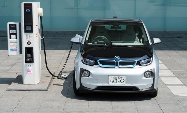BMW подтверждает масштабные электромобильные планы