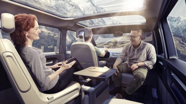 Volkswagen показал концепт электроминивэна с автопилотом: фото