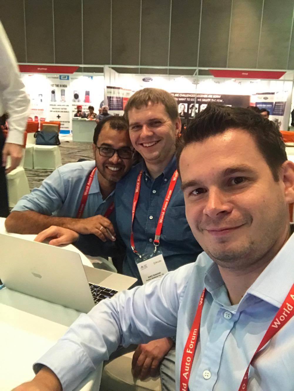 С коллегами на World Auto Forum