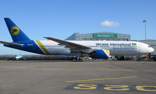 Первый Boeing 777 получил украинскую регистрацию: фото
