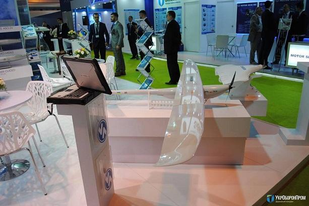 Украина показала новый дрон на выставке в Индии: фото