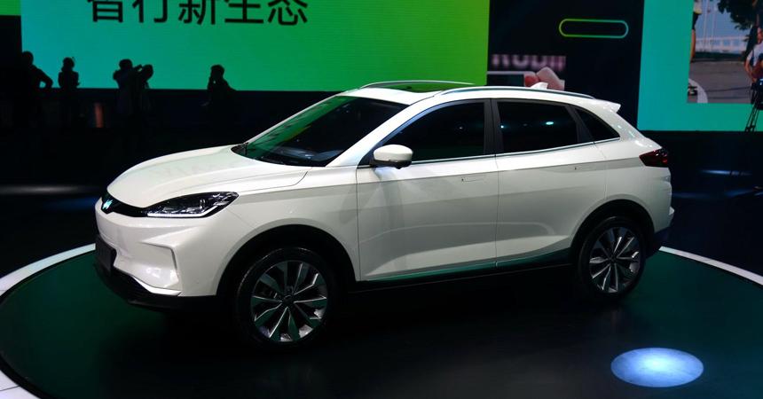 В Китае презентовали электрический кроссовер за $45 тыс.: фото