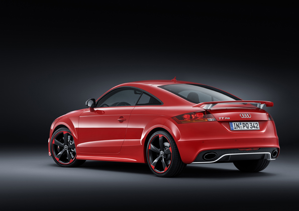 Audi TT RS plus_small (3).jpg