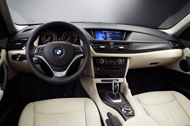 BMW-X1-3031212128504621600x1060.jpg