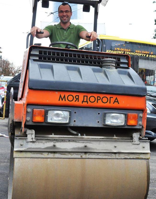 Хмиль: Укравтодор так устал от коррупции, что и не сопротивляется