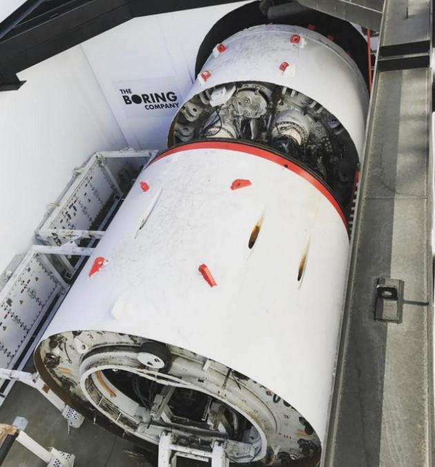 Илон Маск показал прототип туннелей под Лос-Анджелесом: видео