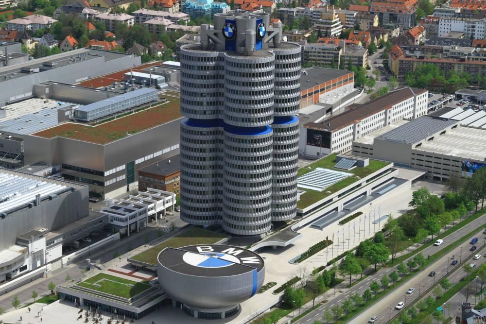 главного офиса BMW.jpg