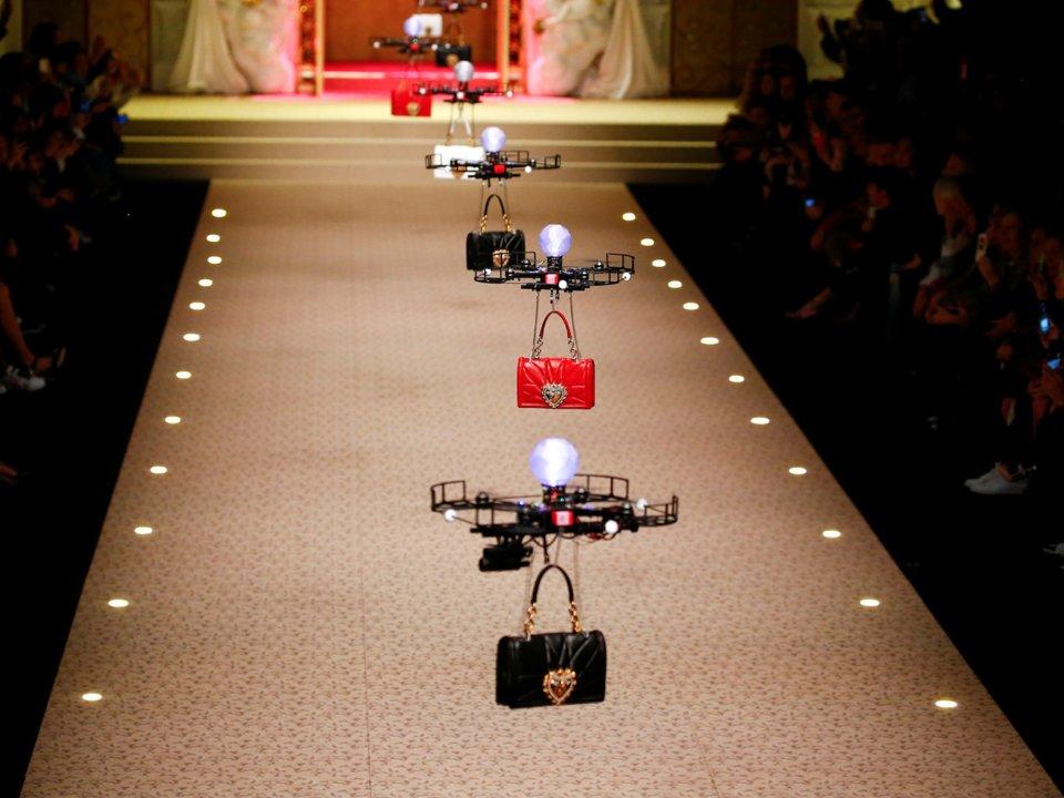 Dolce & Gabbana использовал дроны в ходе показа мод в Милане