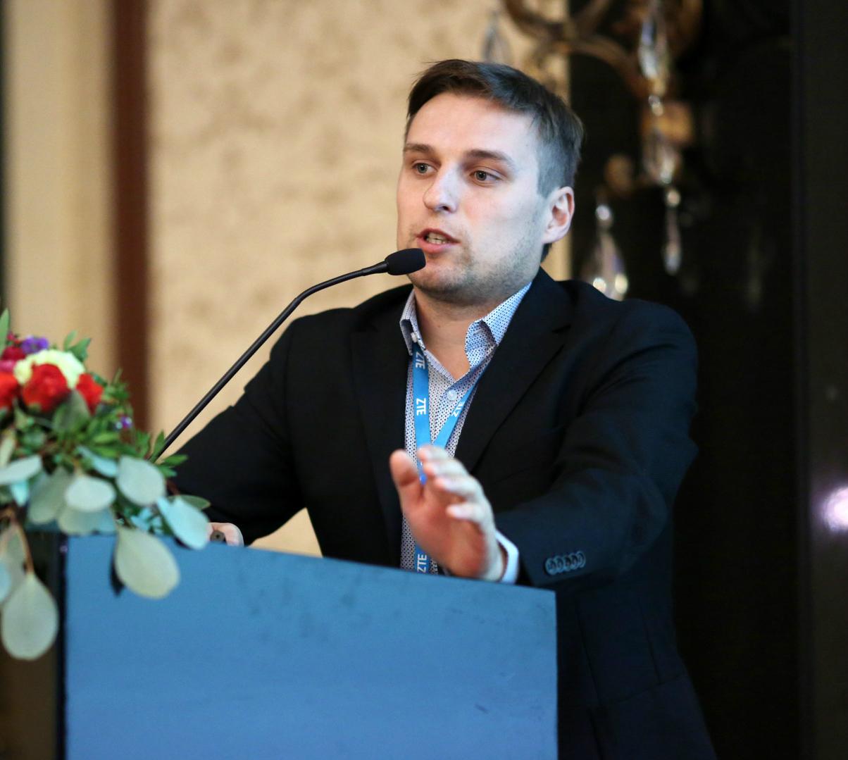 """ZTE готов завести """"оптику"""" в каждый дом Украины"""