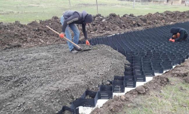 Под Одессой строят дорогу по европейской технологии: фото