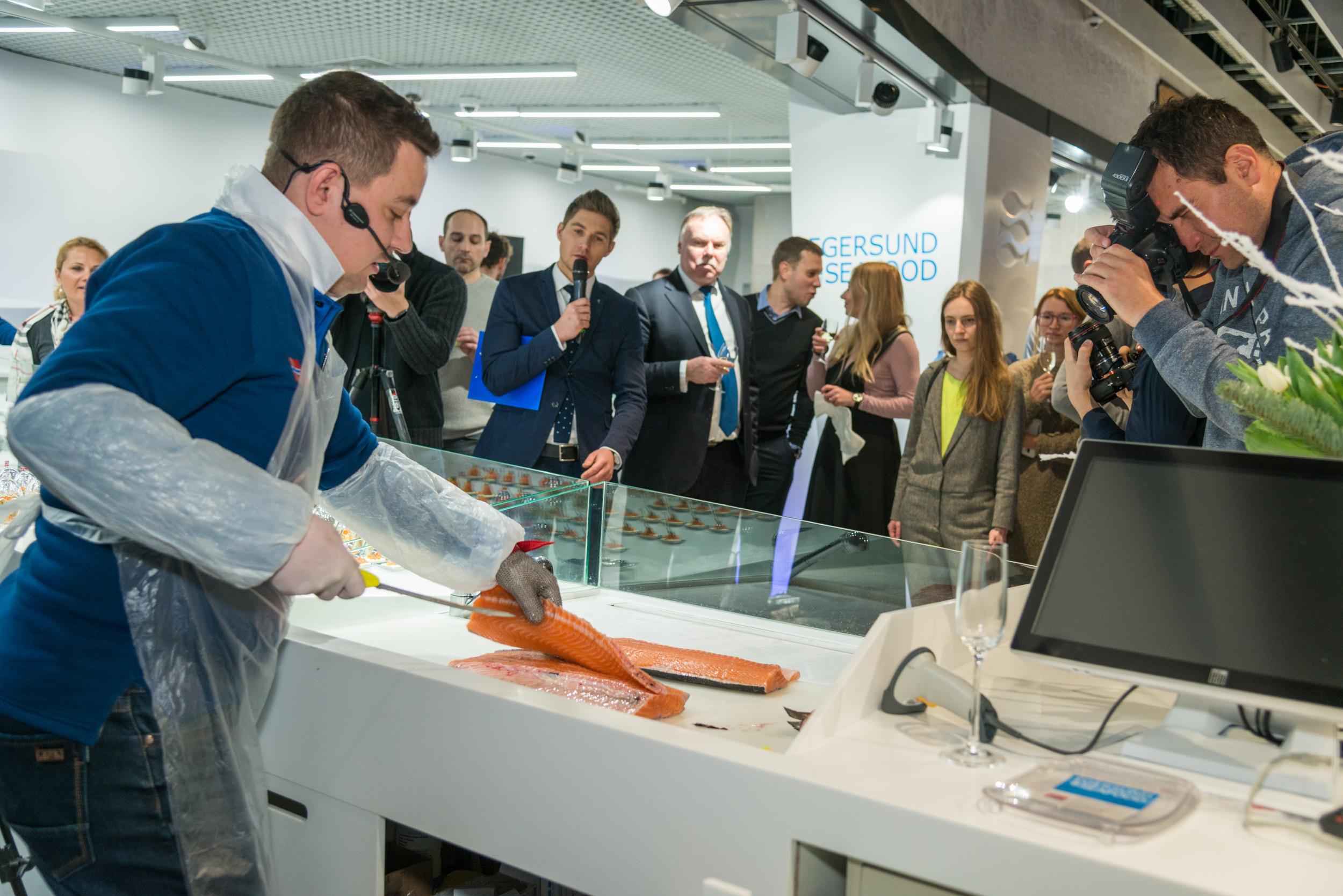 Посол Норвегии открыл рыбный магазин Egersund Seafood
