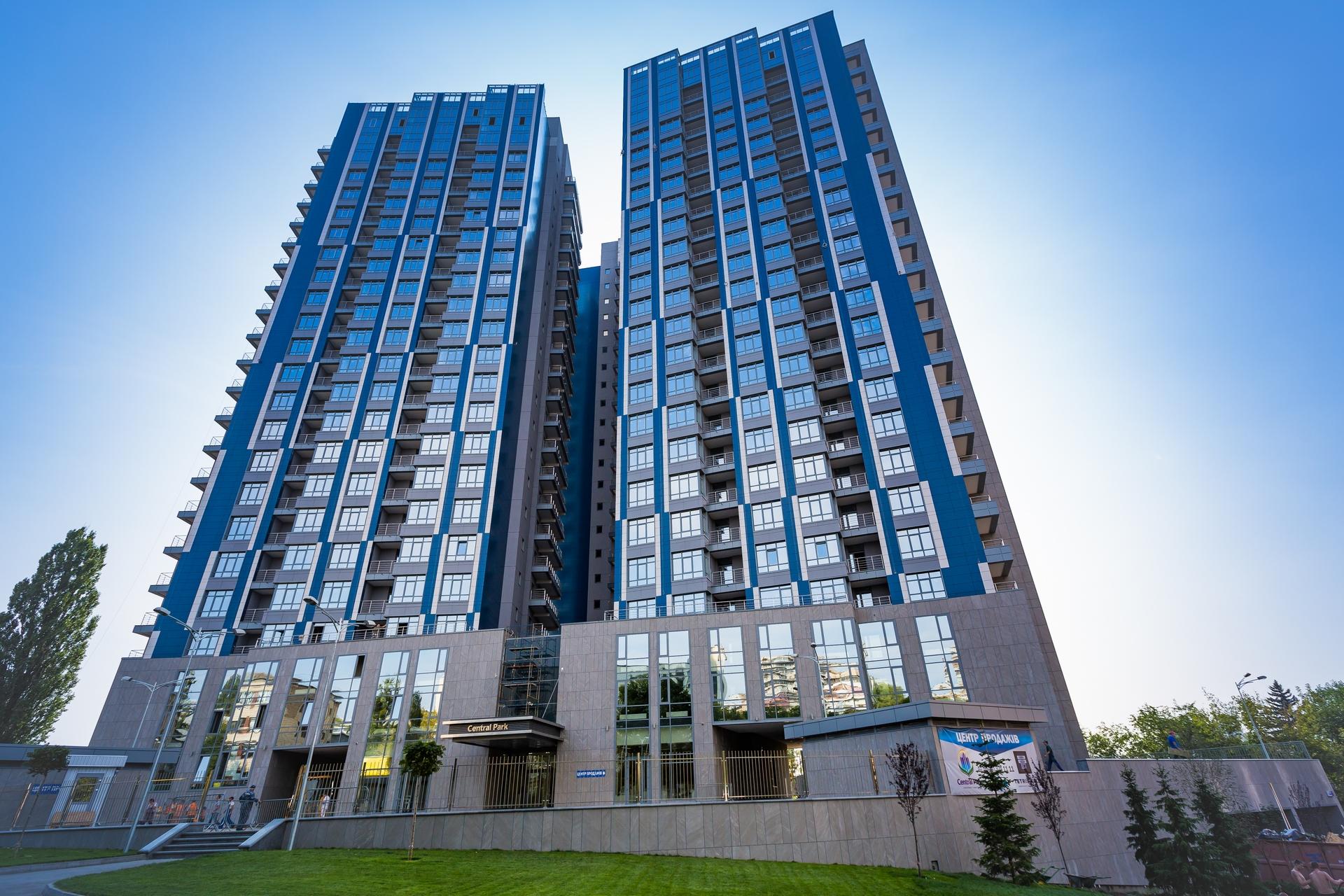 Более 240 семей получили ключи от квартир комплекса Central Park